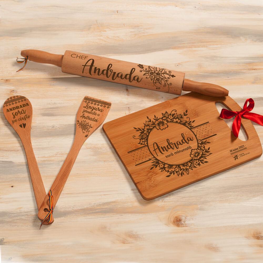 set bucatarie lemn personalizat spatula lingura sucitor tocator