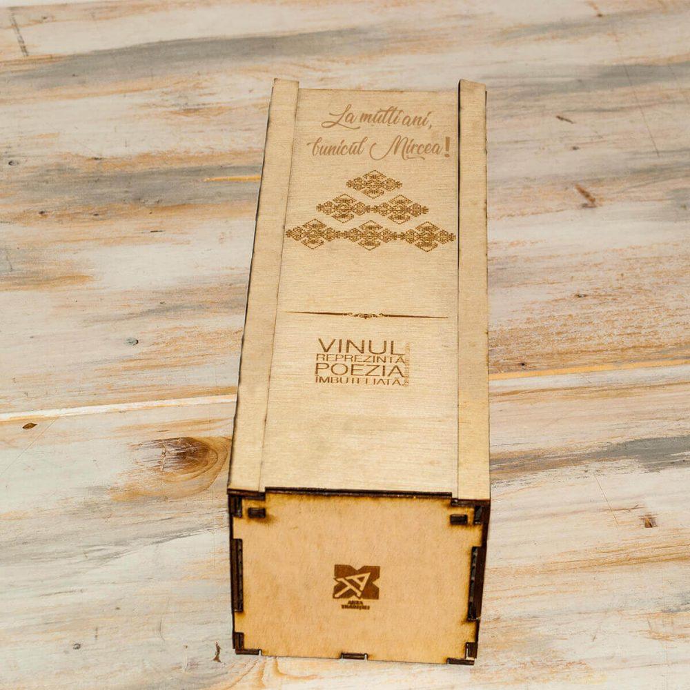 cutie de vin personalizata cadou