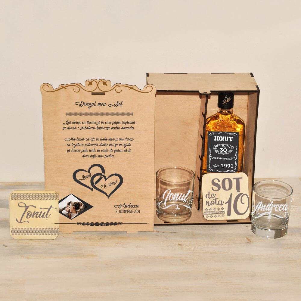 cutie personalizata wiskey sot iubit fiecare zi