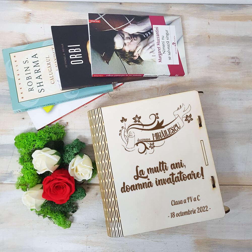 carte invatatoare aranjament trandafir criogenat si trandafiri de sapun