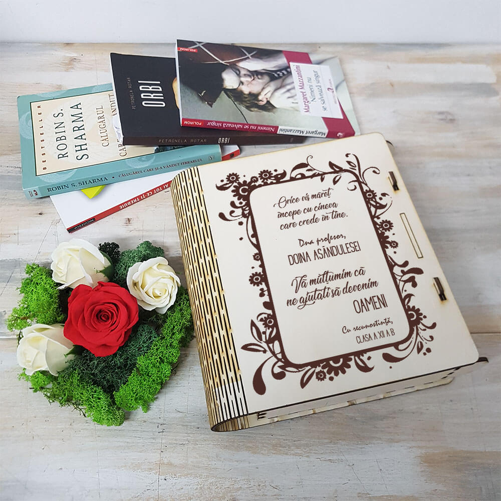 carte profesoara aranjament trandafir criogenat si trandafiri de sapun